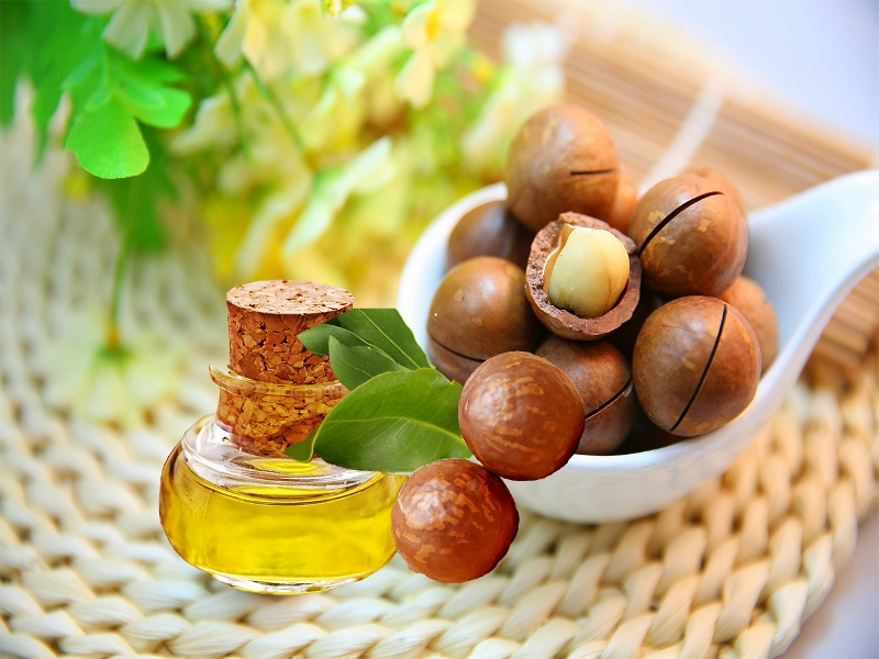 Macadamia oil, Olive Oil, Coconut Oil, Almonds
